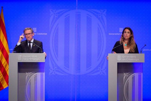 El conseller d'Economia i Hisenda, Jaume Giró, i la portaveu del Govern de la Generalitat, Patrícia Plaja, en la roda de premsa