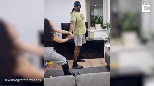 Esta mujer pone a prueba una técnica de defensa personal con su marido de 1,80 metros