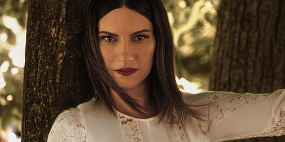 2. Laura Pausini protagonizará su propia película para Amazon