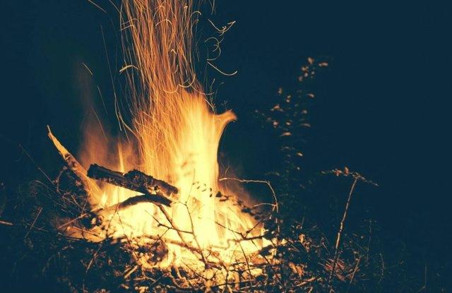 La habilidad para hacer fuego se transmitió culturalmente