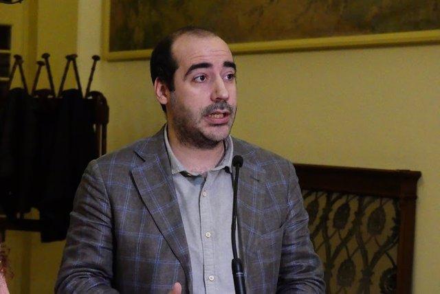 Archivo - El portavoz del Grupo Parlamentario Unidas Podemos, Alejandro López