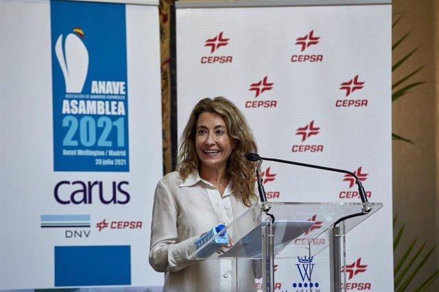 La ministra de Transportes, Movilidad y Agenda Urbana, Raquel Sánchez, interviene durante el acto de clausura de la Asamblea General de la Asociación de Navieros Españoles (ANAVE), en el Hotel Wellington, a 20 de julio de 2021, en Madrid (España).