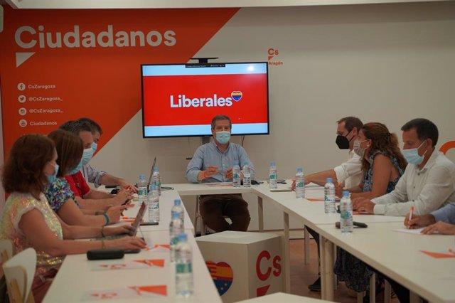 El coordinador de Aragón de Ciudadanos se ha reunido con el resto del comité autonómico en la Comunidad.