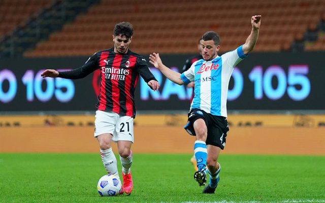 Archivo - 14 March 2021, Italy, Milan: Milan's Brahim Diaz and Napoli's s Diego Demme in action during the Italian Serie Asoccer match between AC Milan and Napoli at San Siro Stadium. Photo: Spada/LaPresse via ZUMA Press/dpa