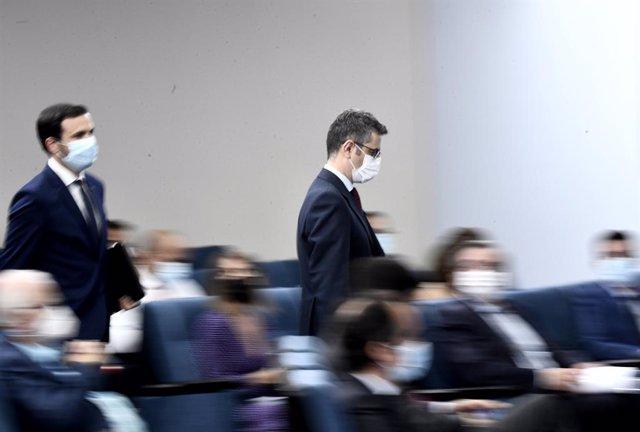 El ministro de Consumo, Alberto Garzón (i) y el ministro de la Presidencia, Relaciones con las Cortes y Memoria Democrática, Félix Bolaños (d), a su llegada para comparecer tras la celebración del Consejo de Ministros, a 20 de julio de 2021, en Madrid (Es