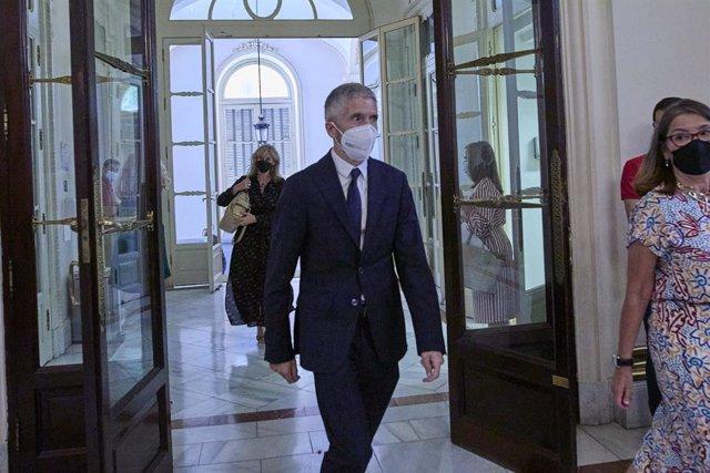 El ministro de Interior, Fernando Grande-Marlaska, a su llegada al acto de traspaso de la cartera ministerial de Función Pública, en la Secretaría General de la Función Pública, a 12 de julio de 2021, en Madrid (España). Montero suma las competencias de F