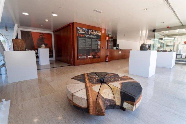 MUA expone en Mutxamel una quincena de piezas escultóricas de Arcadi Blasco en los años 80, 90 y 2000