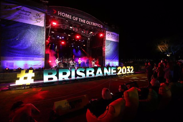 Scenes in Brisbane following a vote announcement by the International Olympic Committee (IOC) on Brisbane's successfull 2032 Summer Olympics bid, in Brisbane, Wednesday , July 21 , 2021. (AAP Image/Jason O'Brien) NO ARCHIVING