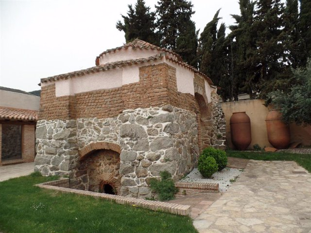 Horno de tinajas recuperado en El Tiemblo.