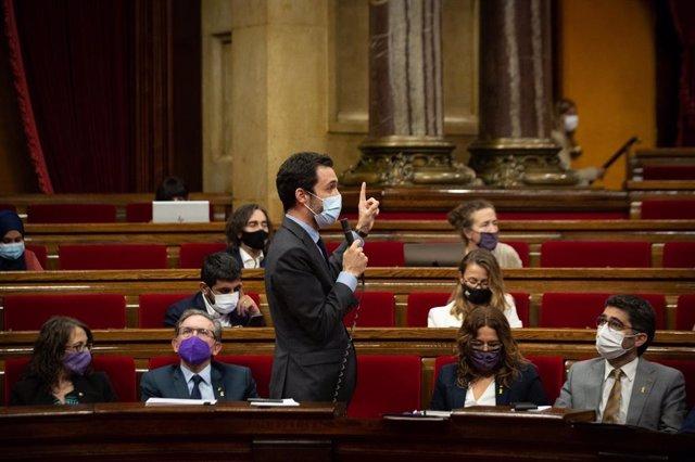 El conseller d'Empresa i Treball de la Generalitat, Roger Torrent, al Parlament