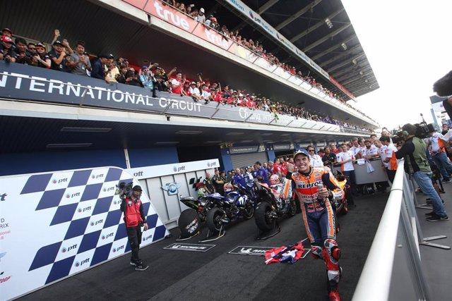 Archivo - Marc Márquez celebra su victoria en el GP Tailandia 2018