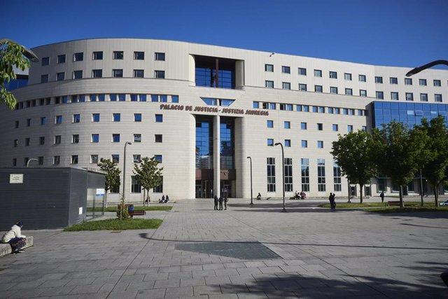 Archivo - Fachada del Palacio de Justicia de Pamplona, a 10 de mayo de 2021, en Pamplona, Navarra, (España).