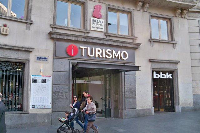 Archivo - Bilboko turismo bulego bat