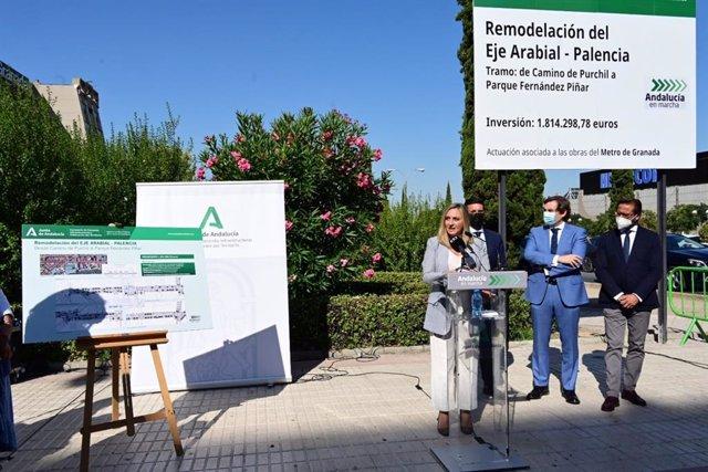 La consejera de Fomento, Infraestructuras y Ordenación del Territorio, Marifrán Carazo, ha anunciado el inicio de las obras del segundo tramo del eje Arabial-Palencia, en Granada.