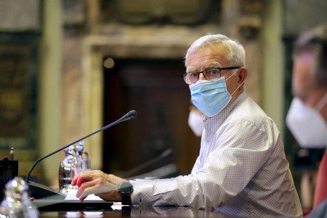 El alcalde de València, Joan Ribó, en un pleno del Ayuntamiento de la ciudad.