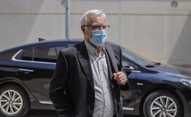El alcalde de València, Joan Ribó, a su llegada a una reunión
