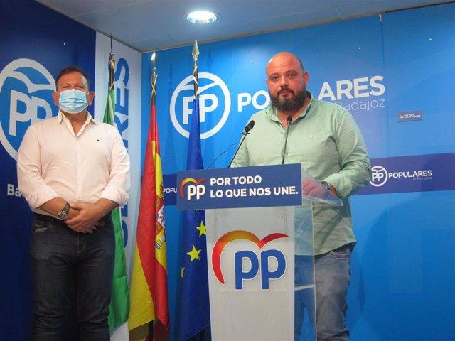 El presidente del PP de Badajoz, Manuel Naharro