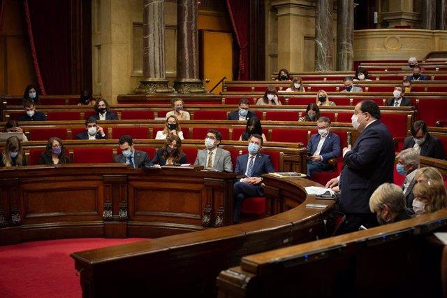 Vista general de la intervención del conseller de Interior de la Generalitat, Joan Ignasi Elena, durante una sesión plenaria en el Parlament de Catalunya, a 21 de julio de 2021, en Barcelona, Catalunya (España). Durante el Pleno, el conceller de Economía