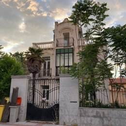 Archivo - Intentan okupar por quinta vez en seis días 'Villa Menchu', uno de los últimos palacetes de Arturo Soria (Madrid)