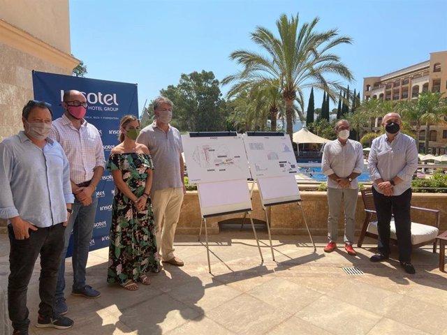 El vicepresidente Juan Pedro Yllanes, durante la visita al hotel Insotel Fenicia en Ibiza.