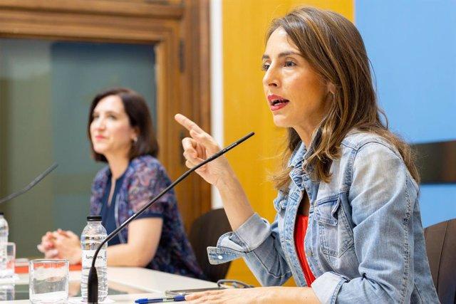 Archivo - Las portavoces de PP y Cs enel Ayuntamiento de Zaragoza, María Navarro y Sara Fernández, respectivamente