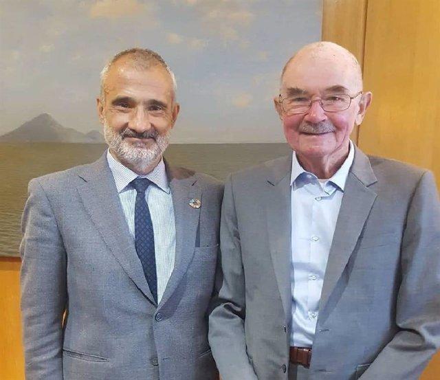 Archivo - José Manuel Torralba junto a Michael F. Ashby, investigador emérito en la Universidad de Cambridge y primer ganador de la Medalla de Oro de la FEMS