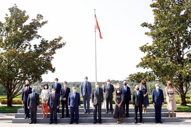 Vista general de los asistentes a la reunión entre Hispasat y el Rey Felipe VI.