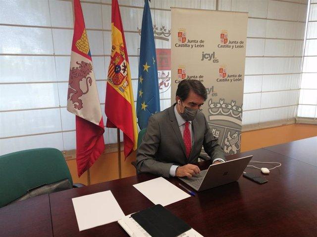 El consejero de Fomento y Medio Ambiente, Juan Carlos Suárez-Quiñones, participa en la Sectorial Vivienda, Urbanismo y Suelo.