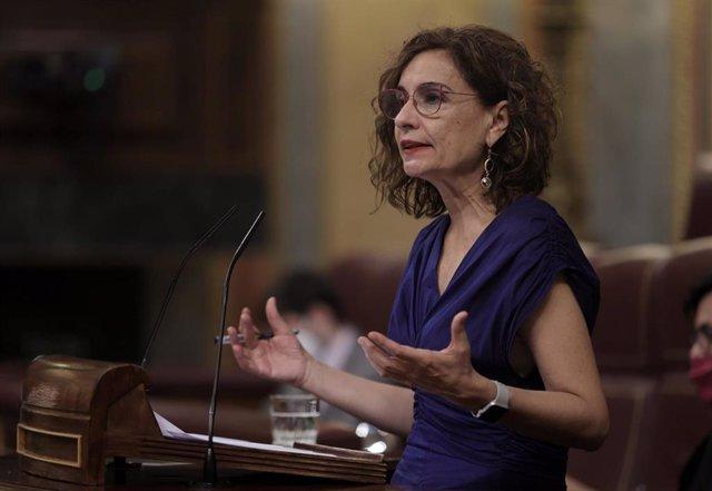 La ministra de Hacienda y Función Pública, María Jesús Montero, interviene este miércoles en el Congreso.