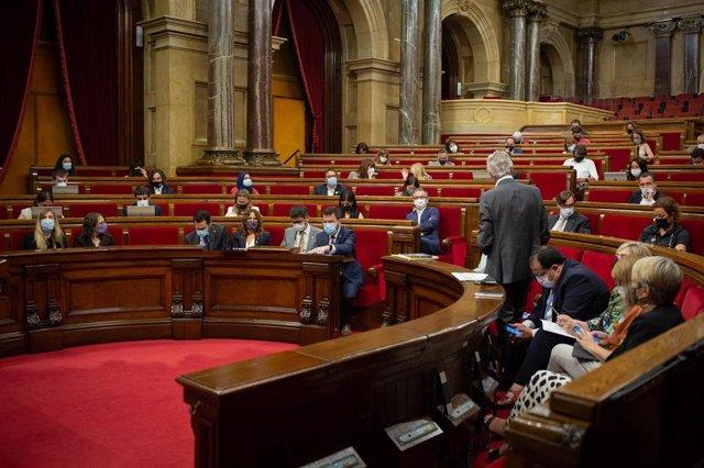 Vista general de una sesión plenaria en el Parlament de Catalunya, a 21 de julio de 2021, en Barcelona, Catalunya (España).