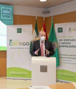 Archivo - Villalobos, en la presentación del Plan Contigo, en una foto de archivo