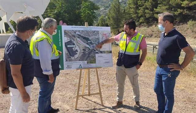 Presentación el proyecto de la rotonda y del aparcamiento