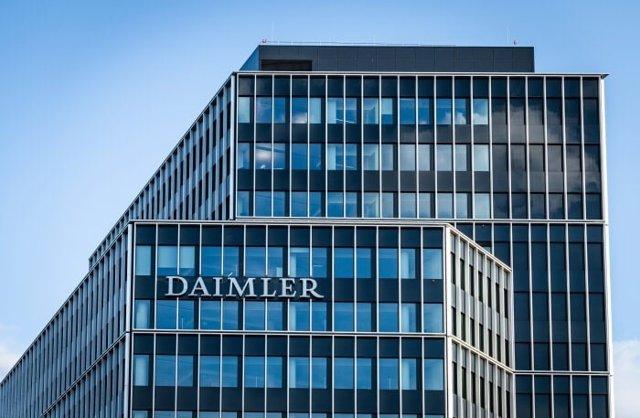 Logo de Daimler.