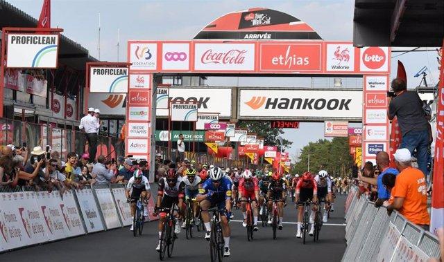 El ciclista neerlandés Fabio Jakobsen (Deceuninck-Quick Step) gana la segunda etapa del Tour de Wallonie 2021, primer triunfo desde su dura caída en el Tour de Polonia 2020 que estuvo cerca de costarle la vida