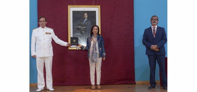 Margarita Robles con el almirante Jefe del Estado Mayor de La Armada y el rector de la Universidad de Cádiz.