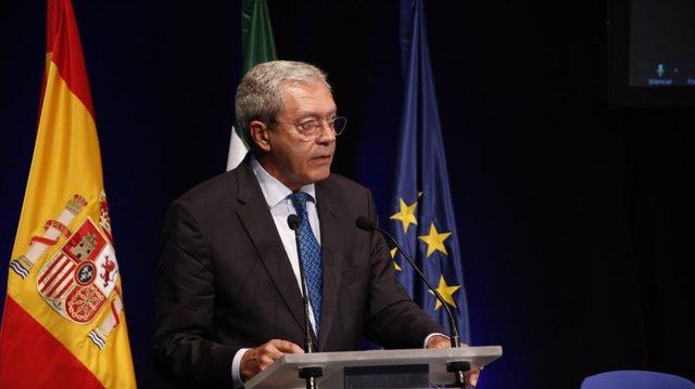 Archivo - Fotografía de archivo del consejero de Transformación Económica, Industria, Conocimiento y Universidades, Rogelio Velasco.