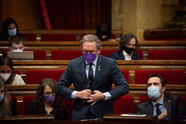 El conseller d'Economia de la Generalitat, Jaume Giró, durant una sessió plenària en el Parlament de Catalunya, a 21 de juliol de 2021, a Barcelona, Catalunya (Espanya). Durant el Ple, el conseller d'Economia ha anunciat que el Govern recorrerà al I