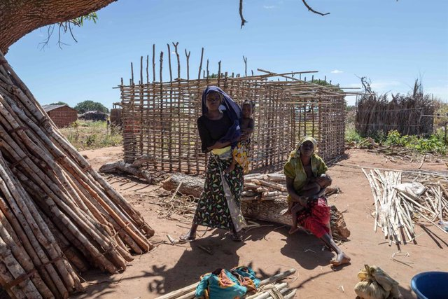 Archivo - Desplazados por la violencia en Cabo Delgado, Mozambique