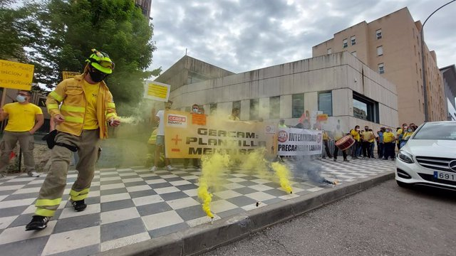 Archivo - Protesta de los trabajadores de Geacam en Cuenca.