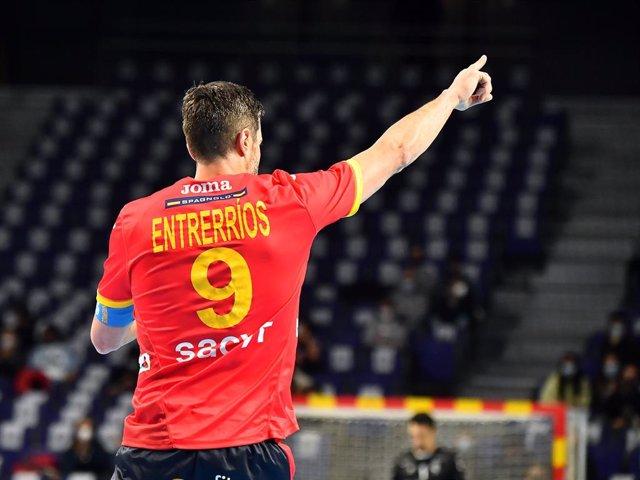Archivo - Raúl Entrerríos en un partido con la selección española
