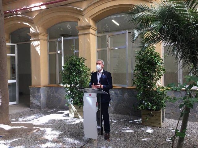 Archivo - Arxiu - El conseller d'Educació de la Generalitat, Josep Gonzàlez-Cambray