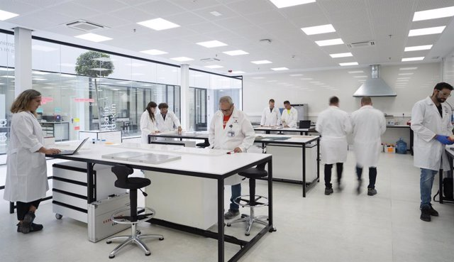Interior del laboratorio del Centro I+D+i de Cosentino, en Cantoria (Almería)