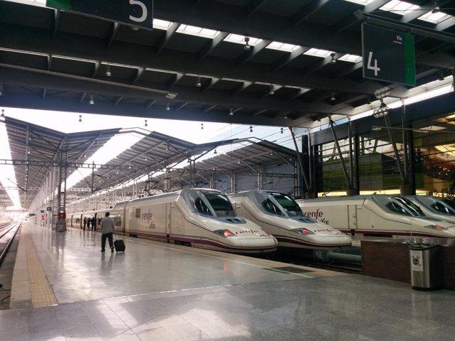 Archivo - Estación de tren Málaga-María Zambrano con trenes AVE