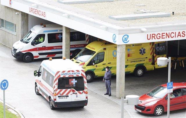 Archivo - Aparcamiento de Urgencias del Hospital Universitario Marqués de Valdecilla