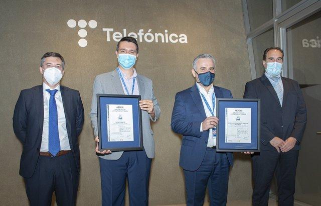 Entrega de los certificados en ENS de Aenor a Telefónica España.