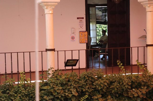 Sede Olavide en Carmona-Rectora Rosario Valpuesta,  donde se imparten los Cursos de Verano de la UPO en Carmona (Sevilla)