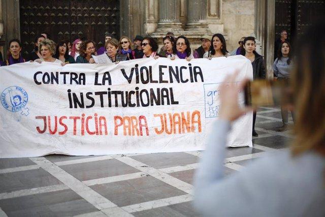 Archivo - Concentración en Granada por Juana Rivas.