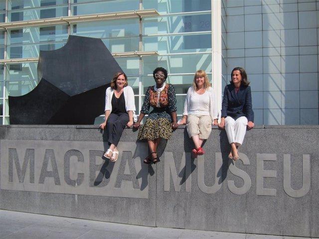 La alcaldesa Ada Colau, la nueva directora del Macba Elvira Dyangani Ose, la consellera Natàlia Garriga y la presidenta de la Fundación Macba Ainhoa Grandes