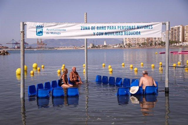 Zona de baño adaptada para uso de personas con dificultad de movilidad en Málaga capital