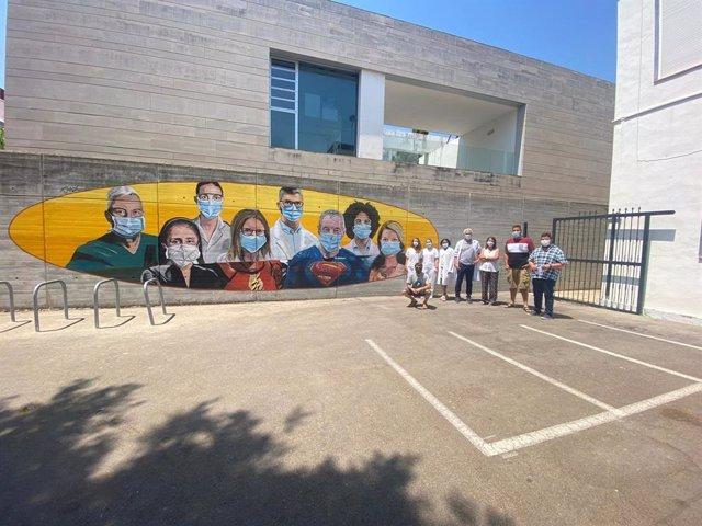 Un mural de Tmx homenajea a los sanitarios en Bellreguard (Valencia)